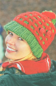 Женская шапочка зеленого цвета
